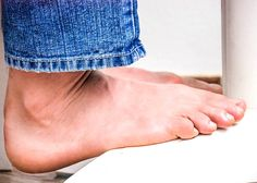 3 Ways to Get Rid of Smelly Feet & Foot Odor