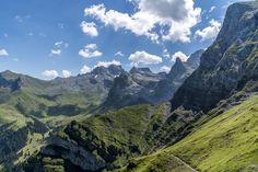 Walenpfad - Wanderung von Brunni auf die Bannalp - Engelberg Engelberg, Bergen, Mount Everest, Wanderlust, Mountains, Nature, Travel, Den, Landscape Pictures