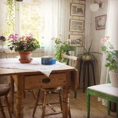Estilo Country, Farmhouse Table, Cottage Style, Country Decor, Decoration, Beautiful Homes, Sweet Home, Interior Design, Furniture