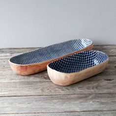 Most recent Images Slab Ceramics creative Style Terrafirma Ceramics Bread Basket (Cobalt/Taj) with Baguette (Cobalt/Strata) Slab Pottery, Pottery Bowls, Ceramic Pottery, Thrown Pottery, Handmade Home, Handmade Pottery, Handmade Ceramic, Slab Ceramics, Ceramics Ideas