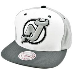NHL LNH New Jersey Devils Mitchell  amp  Ness Throwback Logo Snapback Flat  Bill Hat by e3ffe8649318