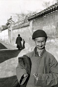 Henri Cartier-Bresson - Eunuco della corte imperiale dell'ultima dinastia - Pechino, 1949 - © Henri Cartier-Bresson/Magnum Photos