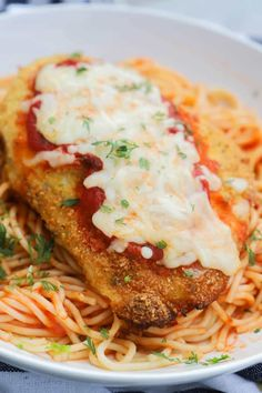 Baked Chicken Parmesan ready for dinner in a white plate Pasta Dishes, Food Dishes, Chicken Parmesan Recipes, Chicken Parmesean, Chicken Parmigiana, Parmesan Pasta, Chicken Meals, Easy Baked Chicken, Breaded Chicken