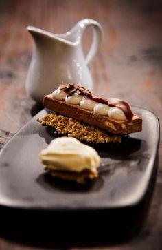 MasterChef How to make Shannon Bennett's Chocolate Peanut Bar More Read Recipe by stephanniesteyn Fancy Desserts, No Bake Desserts, Delicious Desserts, Dessert Recipes, Yummy Food, Quiches, Masterchef Recipes, Peanut Bar, Masterchef Australia