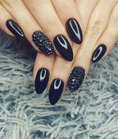 Black Nails Glamour Style Design