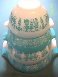 Vintage Nesting Cinderella Pyrex Bowls