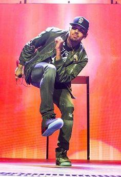 """Now watch Chris whip and watch him Nae Nae""lol Chris Brown And Royalty, Chris Brown Style, Breezy Chris Brown, Big Sean, Trey Songz, Rita Ora, Ryan Gosling, Nicki Minaj, Chris Brown Pictures"