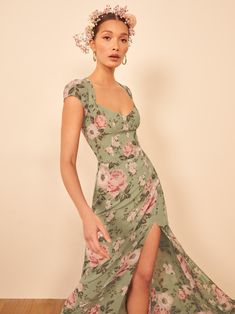 This is a floor length dress with a sweetheart neckline, a center back cutout, cap sleeves and side slit. The Amaryllis is slim fitting in the bodice with a relaxed fitting skirt. Simple Dresses, Pretty Dresses, Casual Dresses, Summer Dresses, Formal Dresses, Dress Outfits, Fashion Dresses, Dress Up, Cord Pinafore Dress