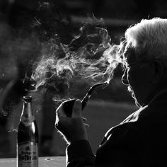 121clicks.comStunning Collection of Smoking Portraits - 121Clicks.com