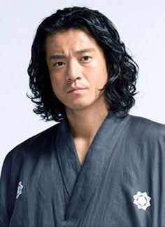 Shun Oguri, Actors & Actresses, Gentleman, Hot Guys, Japanese, Fashion, Moda, Japanese Language, Fashion Styles