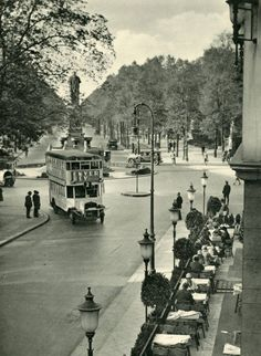 Am im Tiergarten 1929 Cities In Europe, World Cities, Berlin Photos, Underground World, Berlin City, S Bahn, The Real World, Berlin Germany, Historical Photos