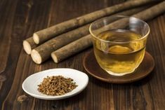 Drink Burdock Root Tea To Stimulate Lymphatic Drainage Protect Brain And Liver Health Liver Detox Drink, Best Liver Detox, Detox Cleanse Drink, Detox Diet Plan, Liver Cleanse, Detox Drinks, Smoothie Detox, Smoothies, Natural Liver Detox
