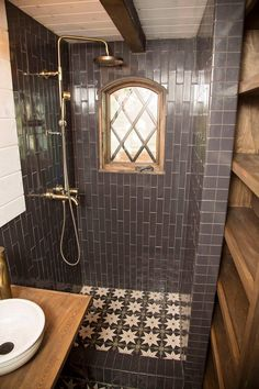 123 Interesting And Detailed Tiny House Bathroom Shower Design Ideas Small Bathroom With Shower, Small Showers, Tiny Bathrooms, Tiny House Bathroom, Amazing Bathrooms, Bathroom Ideas, Tiny House Shower, Bathroom Mirrors, Bathroom Toilets