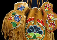 Bearzwear Designs - Handcrafted Native American Beadwork with . Native Beadwork, Native American Beadwork, Native American Art, Beaded Purses, Beaded Bags, Native Design, Beading Projects, Square Quilt, Bead Art