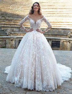 50 beautiful winter wedding dresses to shine despite the cold! Cheap Bridal Dresses, Best Wedding Guest Dresses, Cheap Wedding Dresses Online, Alternative Wedding Dresses, Wedding Dresses Plus Size, Modest Wedding Dresses, Wedding Dress Styles, Dress Wedding, Lace Wedding