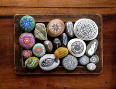 Crafts from natural materials with their hands-10
