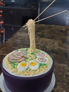 Japanese Noodles, Japanese Ramen, Sweet 16 Birthday Cake, 9th Birthday, Birthday Cakes, Ramen Noodles, Noodle Soup, Naruto Birthday, Gravity Cake