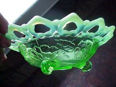 Antique Northwood EAPG GREEN Opalescent Glass Shell  Wild Rose Bowl 3 feet