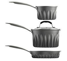 Tom Povey acaba de desarrollar las ollas Flare, una serie de ollas que usan mucho menos gas para calentar su contenido que las ollas convencionales.