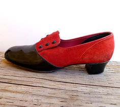 Vintage 40s Pumps / 1940s Loafers / Black and by Yesterdayand2day, $58.00