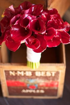 Red calla lily bouquet #wedding #weddings #flowers