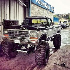 I actually adore this coloring for this car 1979 Ford Truck, Ford Pickup Trucks, Ford 4x4, Cadillac Fleetwood, Lifted Chevy Trucks, Jeep Truck, Ford Bronco, Pick Up, Pickup Auto