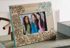 DIY an extra special gift: Wood-burned paisley design photo frame #plaidcrafts