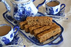 Make these healthy and delicious South African Rusks to eat with your favorite hot beverage like coffee or tea. Rusks are a shelf stable breakfast or snack food. Oven Chicken Recipes, Dutch Oven Recipes, Bakery Recipes, Snack Recipes, Dessert Recipes, Salted Caramel Fudge, Salted Caramels, South African Recipes, Oreo Cake
