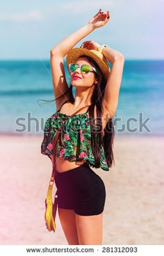 Energia En La Playa Fotos, imágenes y retratos en stock | Shutterstock