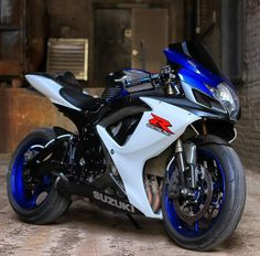 One method is to think of the artwork by yourself. Image is a strong thing. But, that's only a wishful image. The picture indicates a KTM 640 Adventure dual-sport that could also function as an adventure-touring bike. Suzuki Gsx R, Suzuki Motos, Suzuki Bikes, Moto Suzuki, Suzuki Motorcycle, Moto Bike, Suzuki Superbike, Racing Motorcycles, Gsxr 600