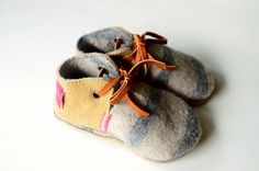 Modern Jill wool and leather baby and toddler von MWMeganWoods
