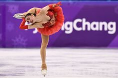 Russian teenager Alina Zagitova edged compatriot Evgenia Medvedeva with a stunning free skate on Friday that earned Russia a first gold at the Pyeongchang Games. Youth Olympic Games, Alina Zagitova, Pyeongchang 2018 Winter Olympics, Johnny Weir, Medvedeva, Olympic Athletes, Alpine Skiing, Winter Games, Sports Stars