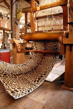 Le Mancach Metier à bras / leopard velvet fabric / Pierre Frey
