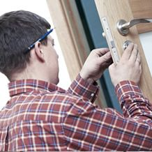 We are here to help you with every type of locksmith near me emergency, lock repairs & upgrades your locks for both homes and businesses.