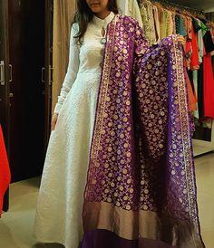 https://m.facebook.com/Thhreads/ Banarasi dupatta indian outfit