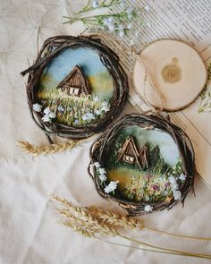 Dekoration DIY 🌿 These landscapes combine several techniques - acrylic, embroidery, and cabins are made of heather branches. Diy Arts And Crafts, Crafts To Sell, Wood Crafts, Fun Crafts, Crafts For Kids, Paper Crafts, Ribbon Embroidery, Embroidery Art, Diy Y Manualidades