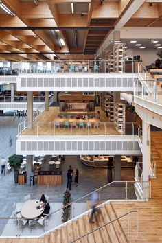 This three-storey building has a 37,700-square-metre plan arranged around a triple-height atrium. It houses over 3,500 employees, bringing Sky's corporate and creative sections together under one roof.