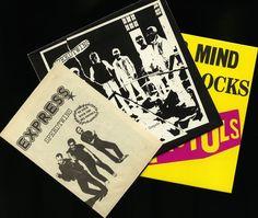 """Punk veel: Speedtwins """"Het is leuker om te concurreren"""" bruine kleur druk op w / zeldzame invoegen  Sex pistolen """"Never mind the bollocks"""" op geel vinyl  Punk veel: Speedtwins """"Het is leuker om te concurreren"""" kleurenpers w / zeldzame invoegenOorspronkelijke 1977 release in NM/NM!!Komt met de originele brochure in EX aan NM ook. Sex pistolen """"Never mind the bollocks"""" kleurenpers (Unofficial) in NM/NMZie foto's voor meer…"""
