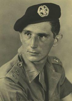 Verblijf en optreden van het 1e Bataljon Regiment Stoottroepen in Nederlands-Indië. Portret van een 1e luitenant van de Cavalerie, die oorspronkelijk bij het 1e bataljon was ingedeeld.
