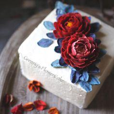 裱花习作 No.2 牡丹花 #韩式裱花 #豆沙裱花 #beanpaste Korean Buttercream Flower, Buttercream Flower Cake, Gorgeous Cakes, Pretty Cakes, Easy Cake Decorating, Fondant Icing, Dessert Decoration, Elegant Cakes, Royal Icing Cookies