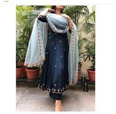 Pakistani Dress Design, Pakistani Outfits, Indian Outfits, Indian Wedding Outfits, Indian Weddings, Pakistani Party Wear, Punjabi Suits Designer Boutique, Indian Designer Suits, Designer Salwar Suits