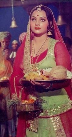 Yogita Bali in Mehbooba Yogeeta Bali, Vintage Bollywood, Princess Zelda, Disney Princess, Film Posters, Indian Beauty, Vintage Posters, Facial, Aurora Sleeping Beauty
