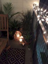 Cozy small balcony makeover ideas (16)