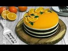 Tort Fanta cu suc de portocale , un tort delicios cu blat insiropat,crema fina cu mascarpone si branza proaspata de vaci si budinca cu suc de portocale. Spre deosebire de prajitura Fanta , blatul tortului este insiropat cu suc de portocale si crema este distribuita pe 3 blaturi.