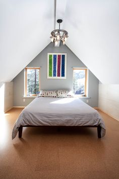 Bedroom with cork floor - of natural color pattern
