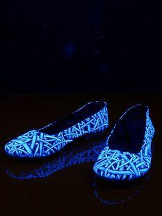 """Schwarzlicht Neon Style Ballerinas """"Hard Wired"""" #blacklight #schwarzlicht #spacetribe #shoes #ballerina #psy"""