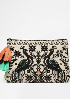 boho embroidered clutch / obsessed