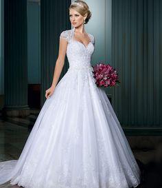 Débora NOIVAS - Aluguel de vestido de noiva traje a rigor e carro para casamento Niterói SG RJ