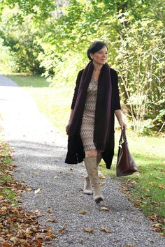 High knee boot outfits for Fall  | For more style inspiration visit 40plusstyle.com