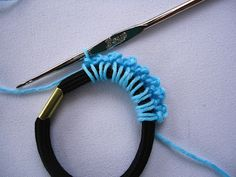 Stitch of Love: Tutorial: Crochet Hair Scrunchie ♡ Teresa Restegui http://www.pinterest.com/teretegui/ ♡